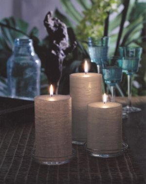 GloLite romantic pillar candles
