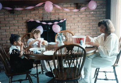 DD-kitchen-table-aunt-cousin