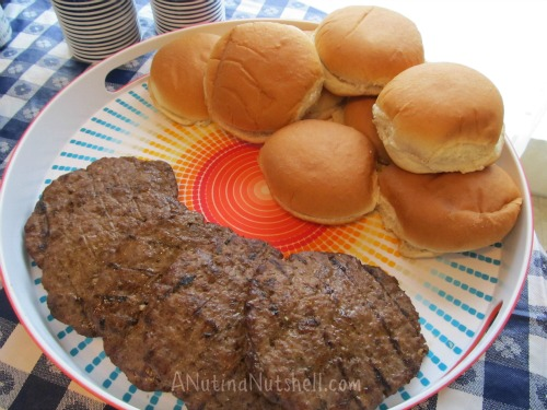 grilled-ancho-chili-burgers