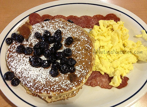 IHOP-simple-fit-whole-wheat-pancakes-blueberries