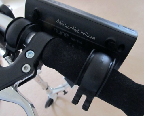 Nyne-NB200-bluetooth-speaker-mounts-on-handlebars