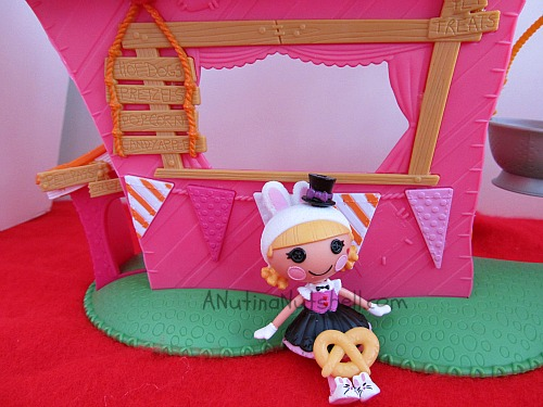 Lalaloopsy-Misty-Mysterious-silly-fun-park