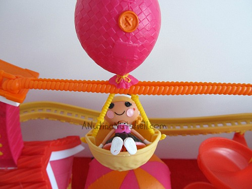 Lalaloopsy-Silly-fun-house-park-pet-palloon-zip-line