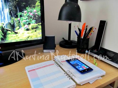 desk-planner-phone