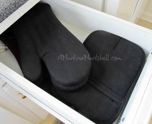 Anna's Linens hot pads-oven mitts