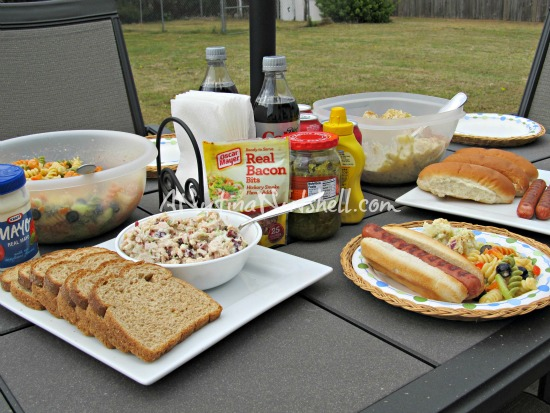backyard brunch table set-up