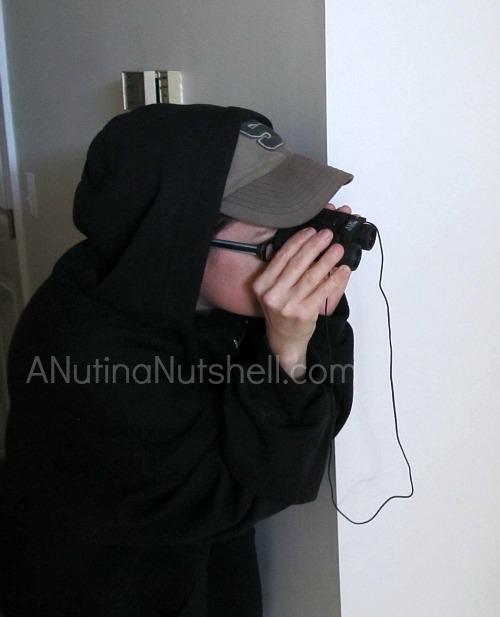 spying-binoculars