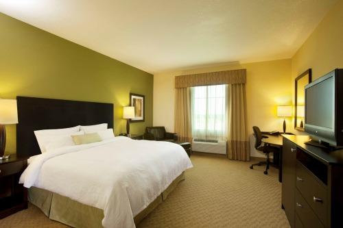 Hampton guest room
