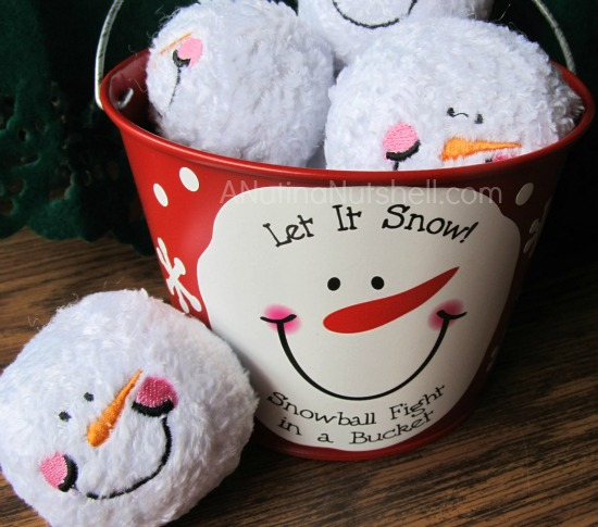 Personal Creations Snowball Fight in a Bucket