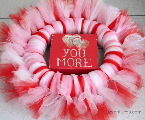 Valentine's Day craft_how to make a tulle wreath