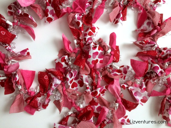 how to make Valentine's Day fabric garland