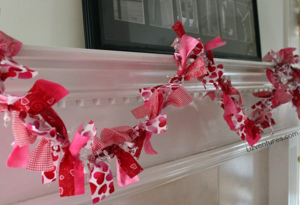 how to make Valentine's Day garland