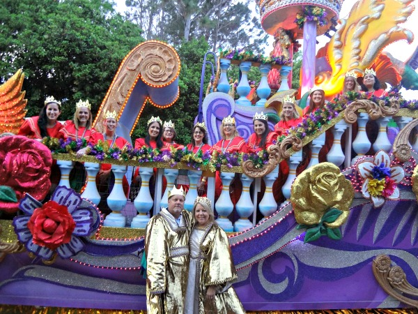 UORGirlsGetaway - Mardi Gras King and Queens Float Universal Florida