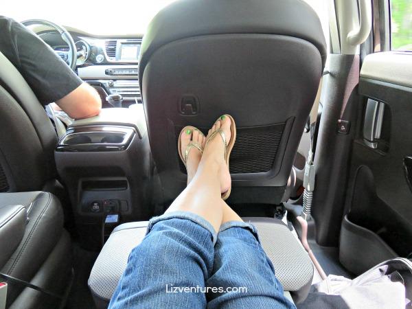 2015 Kia Sedona reclining seats- footrest