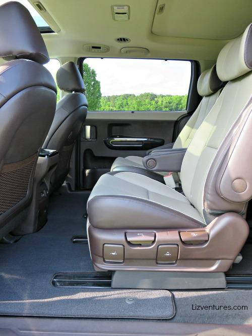 2015 Kia Sedona - spacious back seat legroom