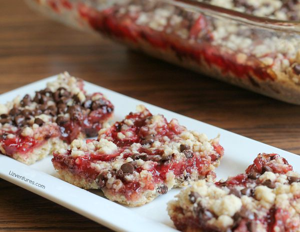 Strawberry & Chocolate Chip Crumble Bars